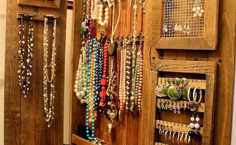 Ever thought that a wooden cabinet could serve as a jewelry organizer? Take a look at this handmade wood piece of furniture, which is great as a jewelry and necklace holder.