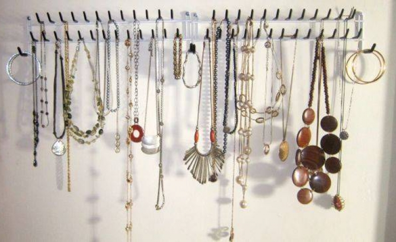 Organize small and large necklaces, as well as bracelets with a simple hanging rack.