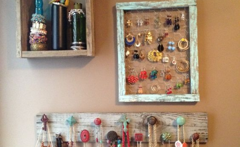 Organize your jewelry using different everyday household objects like a hanger, a frame, and bottles placed in a box like shelf. Holder perfect for dorm add with our bedding.