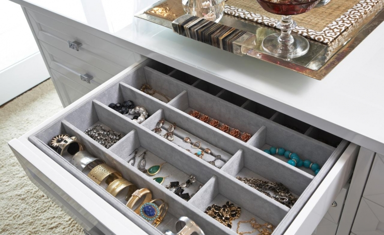 From LA Closet Design comes this original idea for a jewelry organizer within the closet. You can see that drawer organizers are very popular for their discretion.