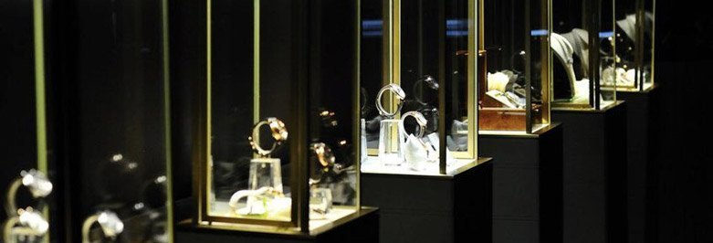 Important Jewelry Display Cases Features