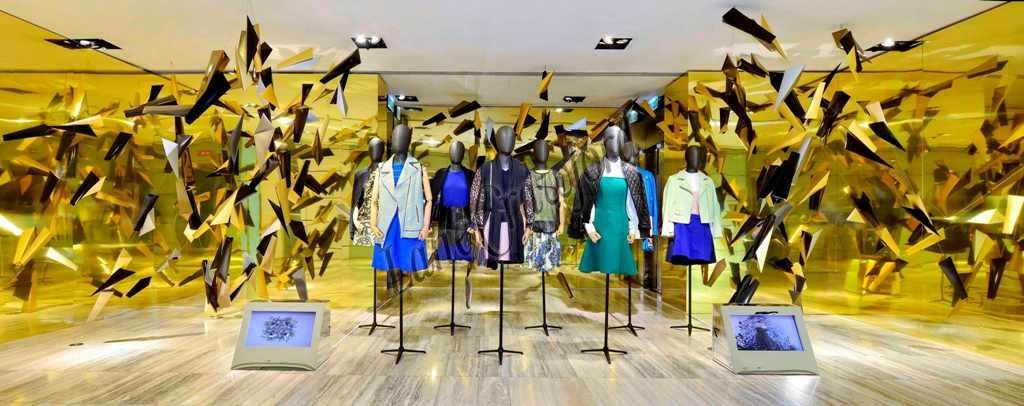 Yellow Themed Retail Store Design - Visual Merchandising Installation