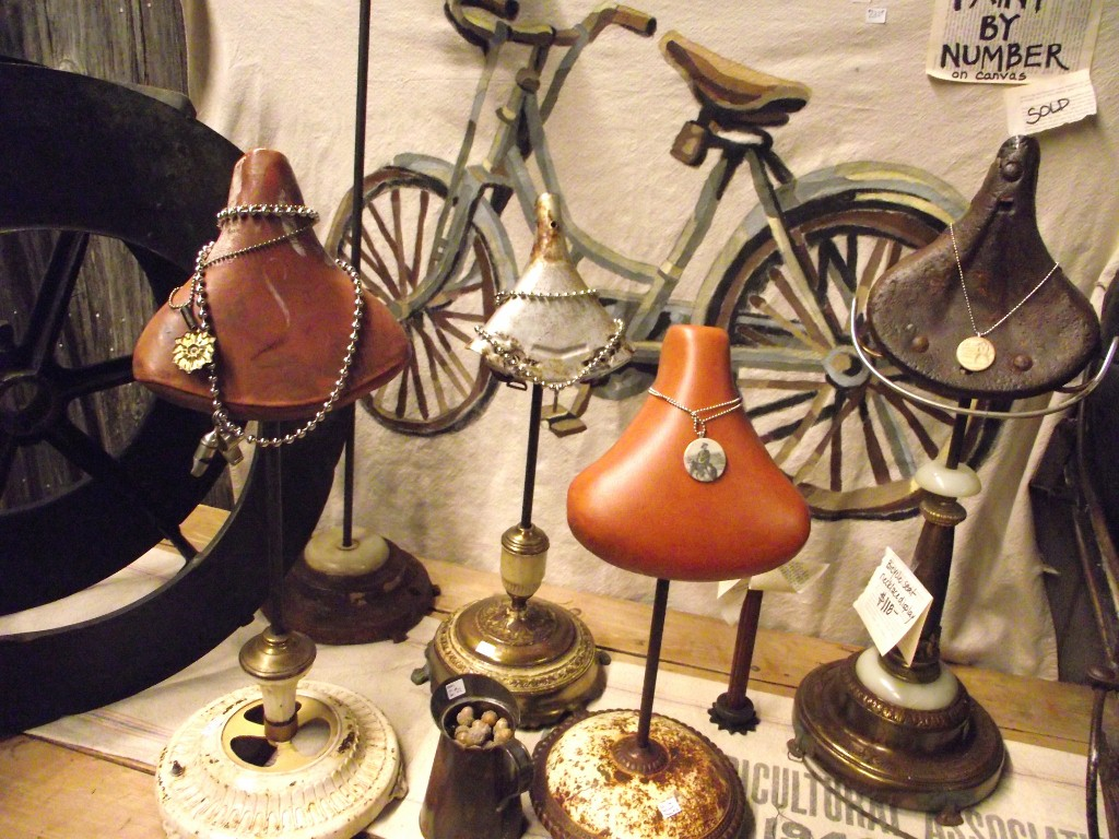 Vintage bicycle seats to store and display your jewelry in a creative unique way.