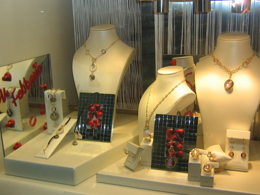 Love is in the air in this jewelry display setting created for the occasion of Valentines Day.