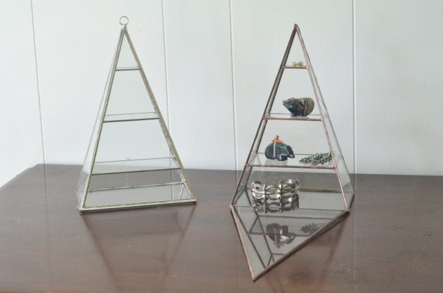 The Polaris pyramid display box is a minimalist glass pyramid for showing off the most intriguing merchandise
