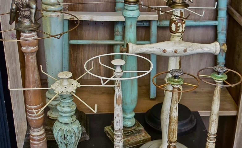 Jewelry display ideas for diy jewelry hangers and racks, a nice vintage decor for craft shows jewelry display.