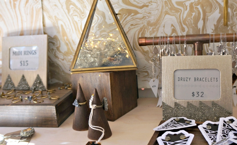 Metal and wood jewelry display pieces for rings, earrings and bracelets. A cute set inspiration for jewelry display ideas.