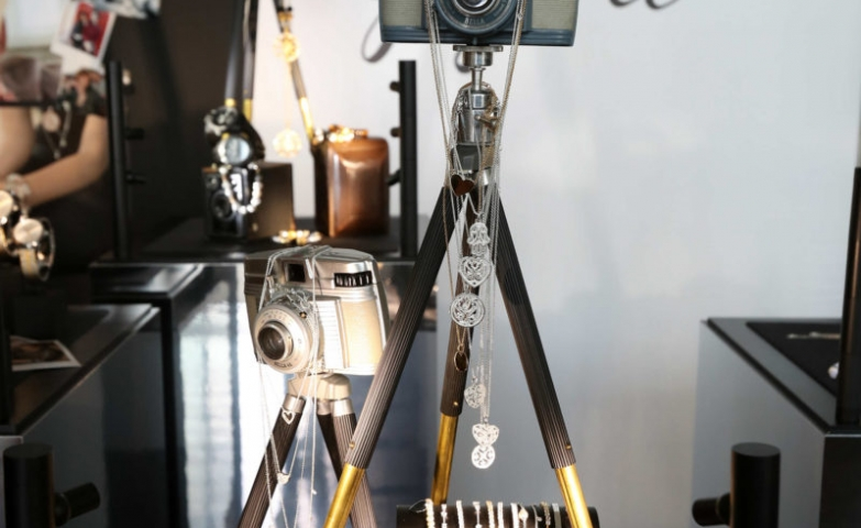 This is Georgia May Jagger's favourite Thomas Sabo jewellery, and the display is absolutely original with pieces hanged on photo cameras placed on tripods.