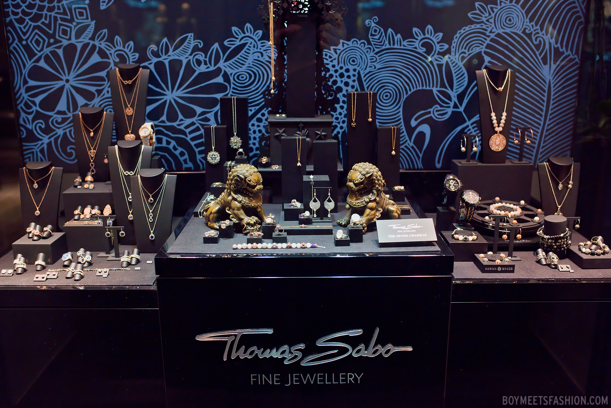 Thomas Sabo fine jewellery display at House of Fraser. Amazing setting with nature motifs drawn on the background and a wide variety of jewelry displayed.