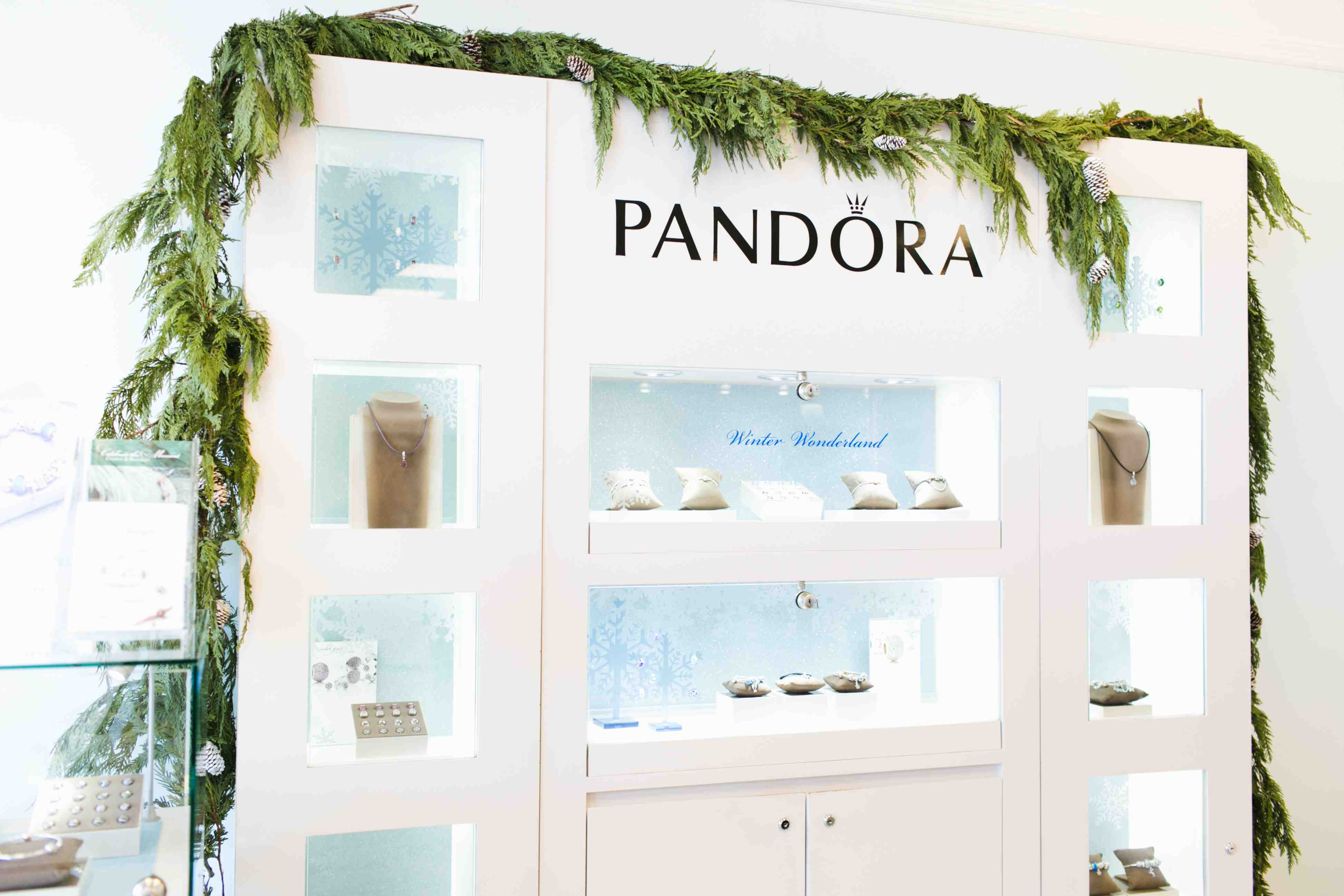 "Stunning ""Winter Wonderland"" themed jewelry display for inspiring idea for the Winter season from Pandora."