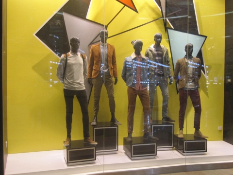 Such an abstract background with black and yellow for this autumn window display.