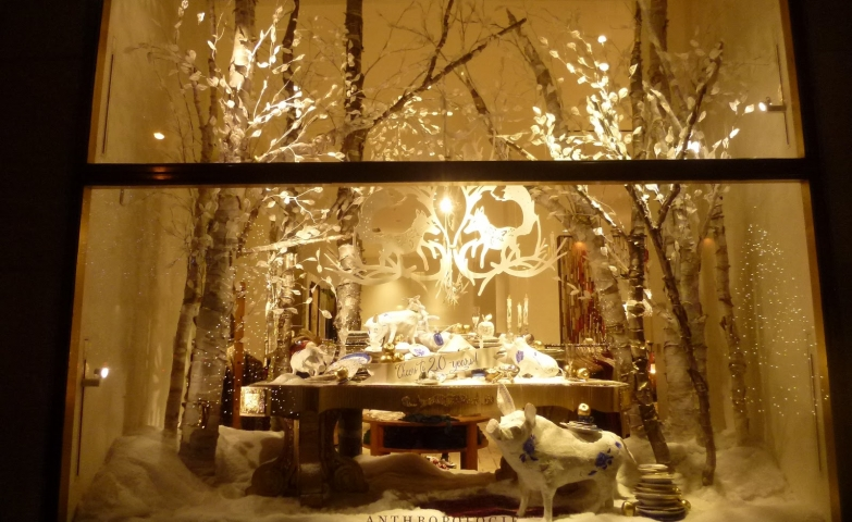 Select as usually, Anthropologie is focused on pretty lights and white details for the winter window display.