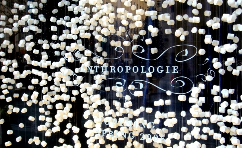 If you pass by the Anthropologie winter window display you will have an out of hand itch because of the hanging snowflakes looking like marshmallows.