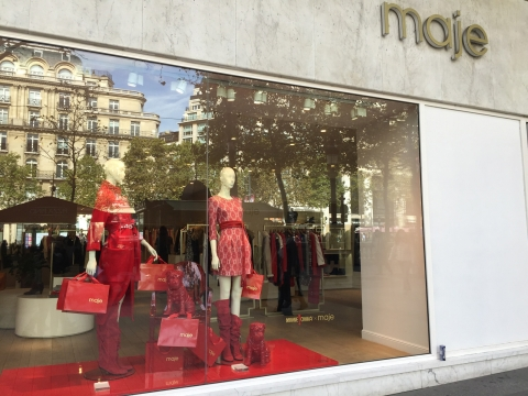 Maje is a fine luxury shop, and you could notice that through their imperial patterns and red colour used for marking the autumn in their window display.
