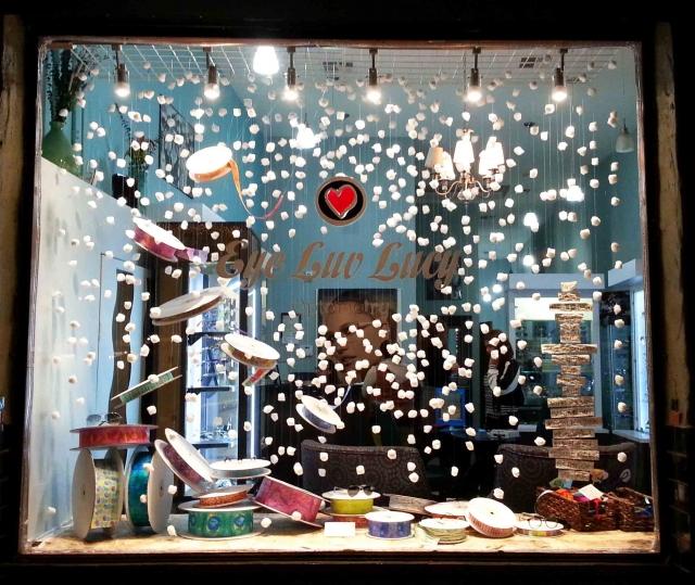 Display Ideas Re: 100+ Winter Window Displays, Ideas & Designs
