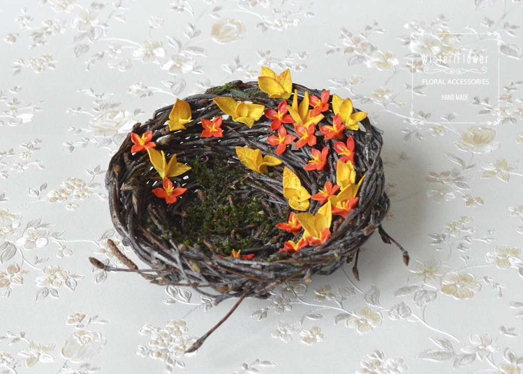 With the Easter occasion, you can buy a creative jewelry ring holder in a shape of a nest, with flowers among it.