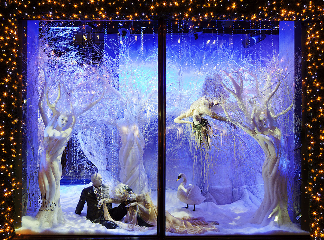 As crystal clear, so it is Swarovski window display, dashing decorated with representative details as a swan.