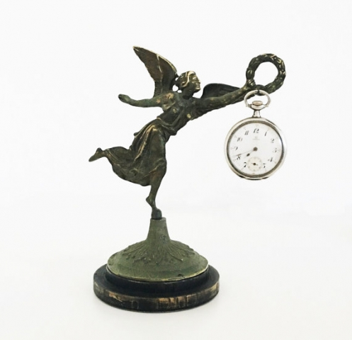 Fine and creative details for this vintage victory statue, destined for a jewelry pocket watch holder.