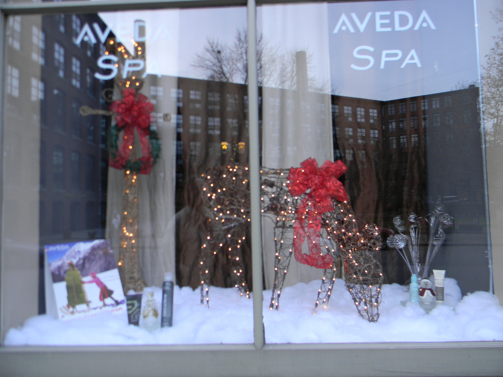 All is white, fresh and clean like you feel when you come out from a spa salon, as it is for, this winter window display.