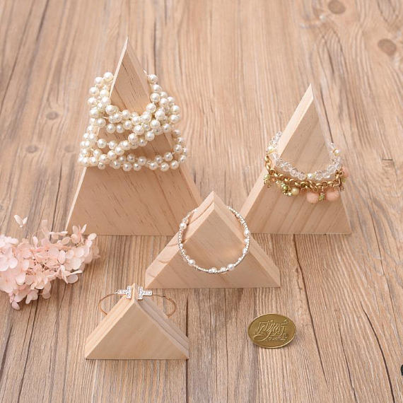 Beautiful Rustic Wooden Triangles Bracelet Holders