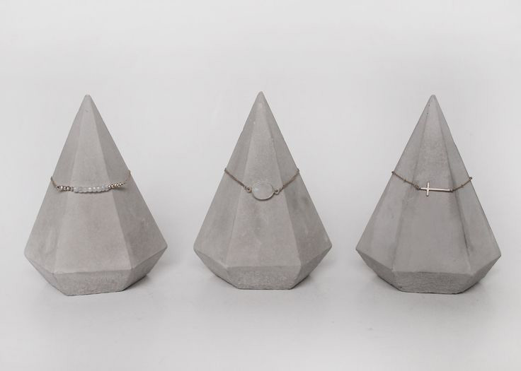 Creative Gray Diamond Shaped Bracelet Holders