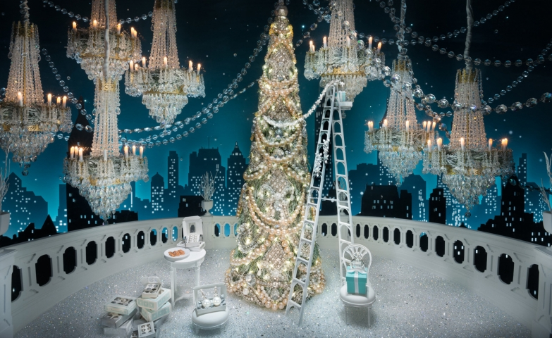 One of the most impressive Christmas window display, with fabulous chandeliers and sparkly decoration for the Christmas Tree.