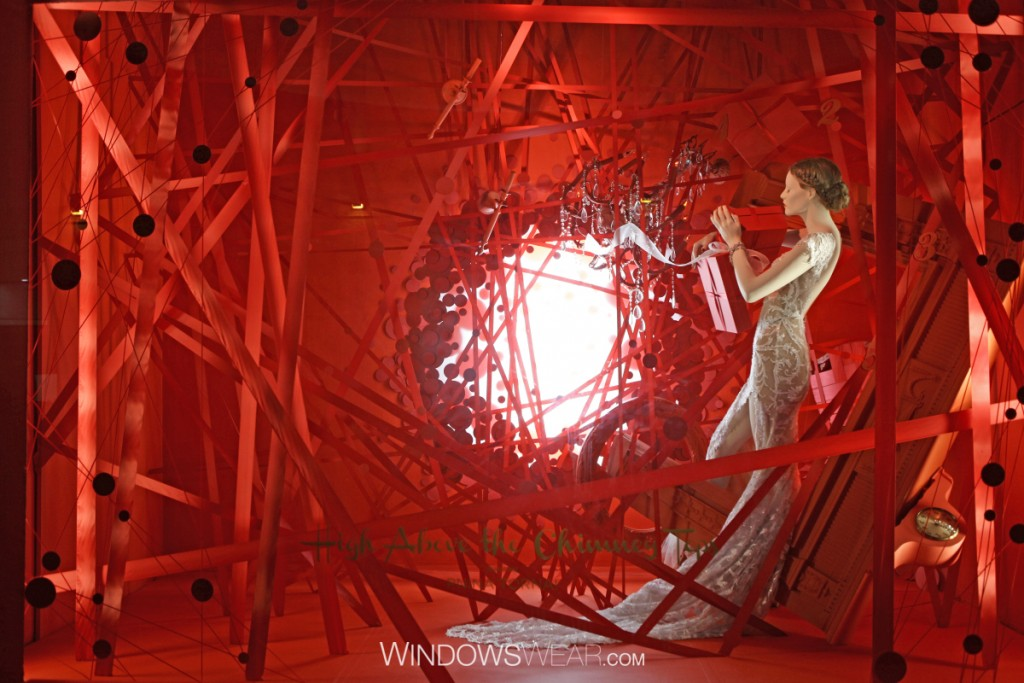 "This window display has decorated for Valentine's day an installation that you could name it ""Find the light in my heart""."