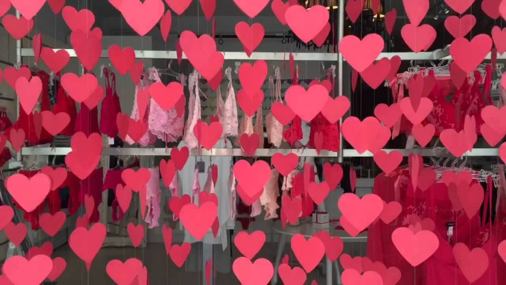 It's looking like it's raining with paper hearts in this window display, and we could also see that in the background, there are many pieces of lingerie in shades of pink, to fit with Valentine's day.