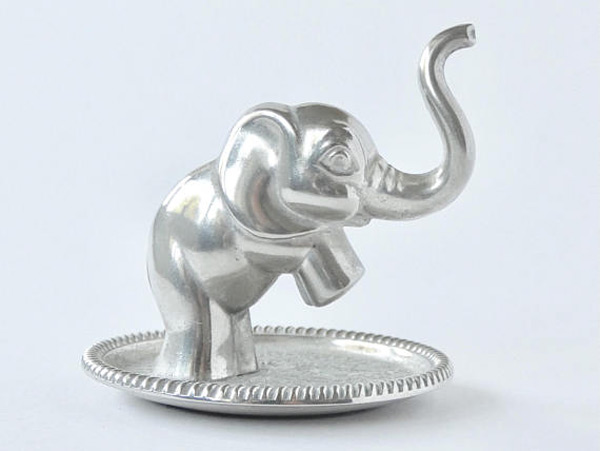 Simple Silver Elephant Ring Holder with Dish