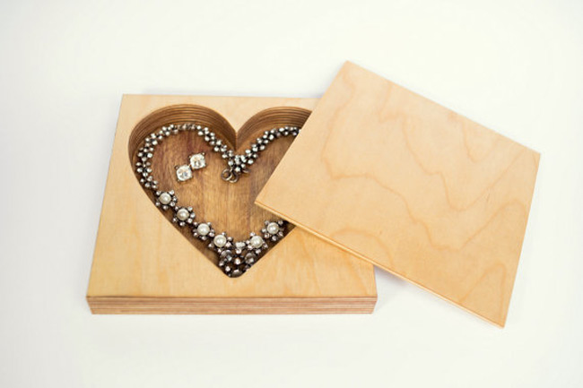 Elegant Wooden Heart Shaped Interior Jewelry Holder Box