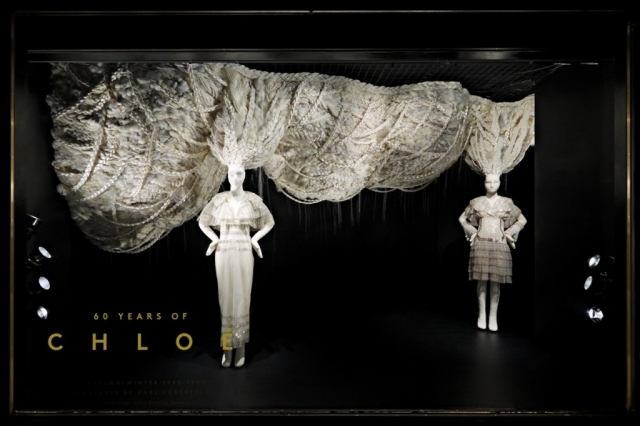 This New Year's Eve is celebrated with the anniversary of 60 Years of Chloe presented through the window display.