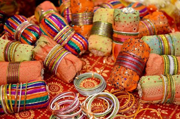 Beautiful Colorful Decorative Bangle Holders