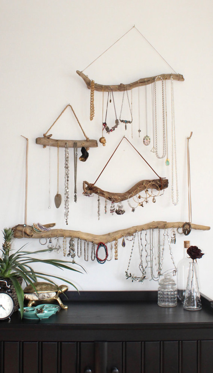 Creative Distressed Wood Hanging Jewelry Holders Set