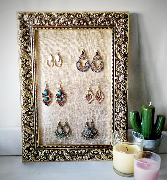 Beautiful Gold Pattern Elegant Picture Frame Jewelry Holder