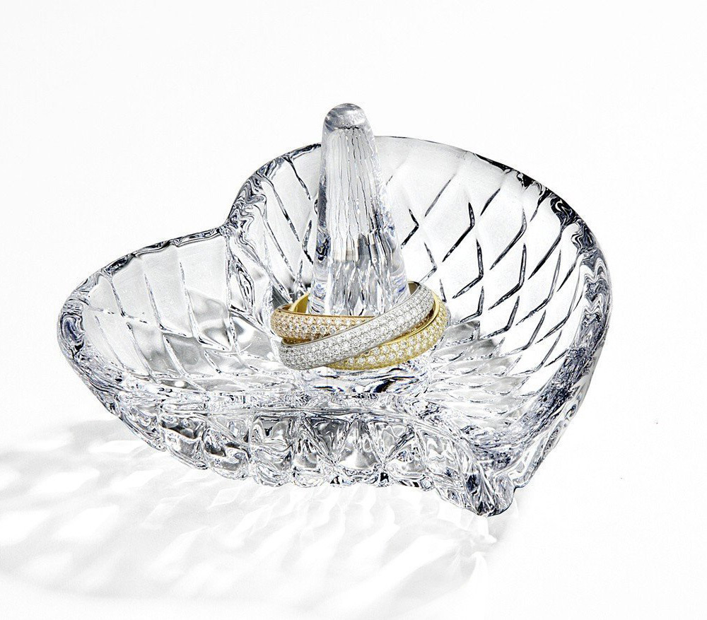 Beautiful Intricate Heart Shaped Crystal Ring Holder