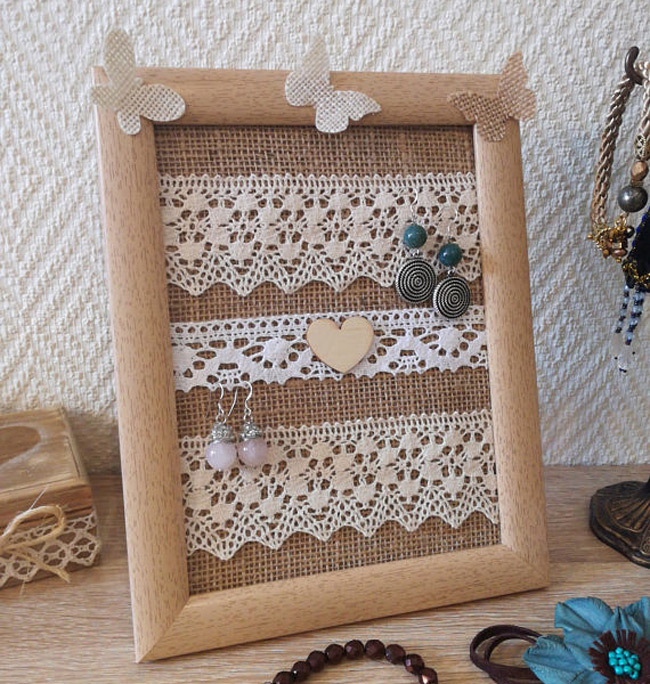 Cute Rustic Tabletop Picture Frame Jewelry Holder