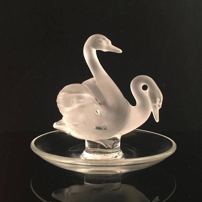 Creative Swans Shaped Crystal Jewelry Holder