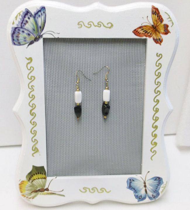 Cute Butterfly Themed White Picture Frame Jewelry Holder