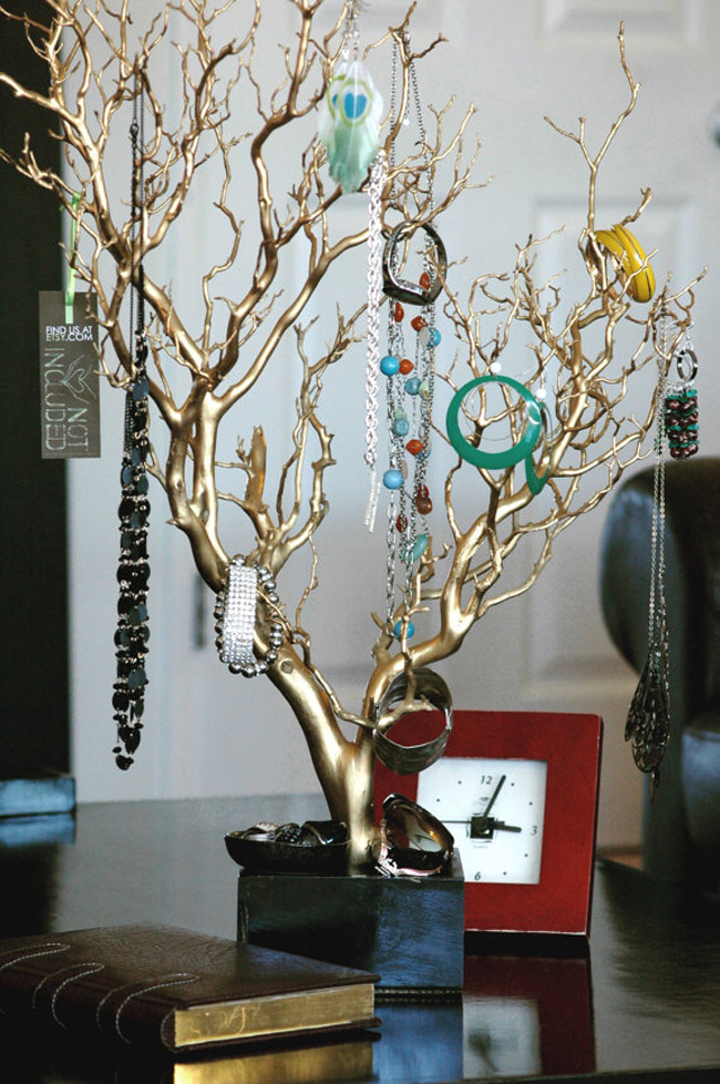 Beautiful Decorative Golden Jewelry Tree Holder