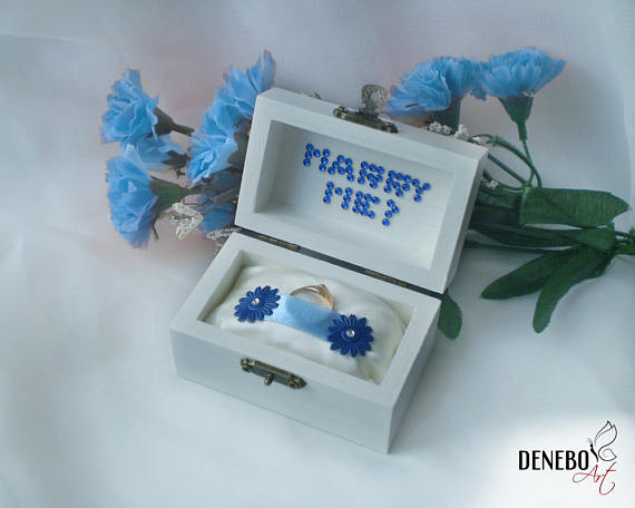 Cute Simple White Engagement Ring Holder Box