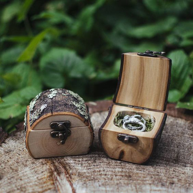 Creative Little Wooden Chest Engagement Ring Holder