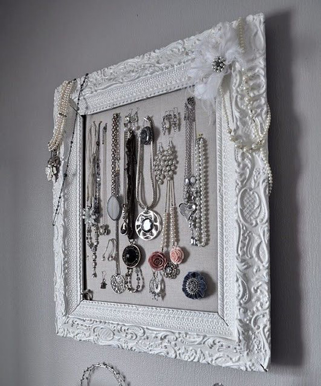 Vintage Intricate Pattern Wall Hanging Picture Frame Jewelry Holder