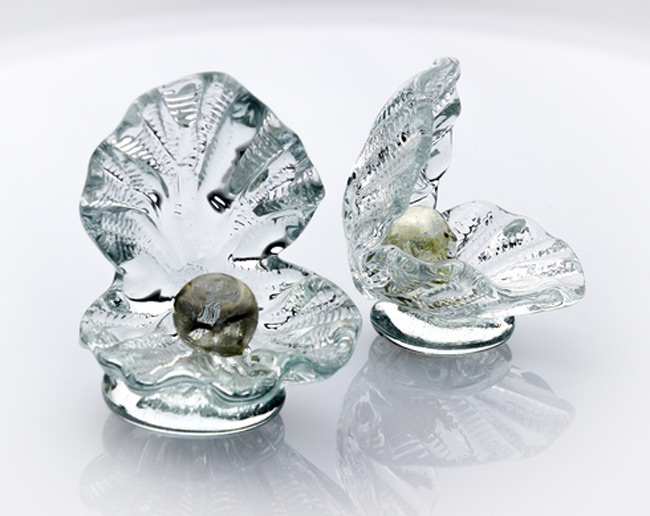 Creative Crystal Oyster Shaped Jewelry Holder