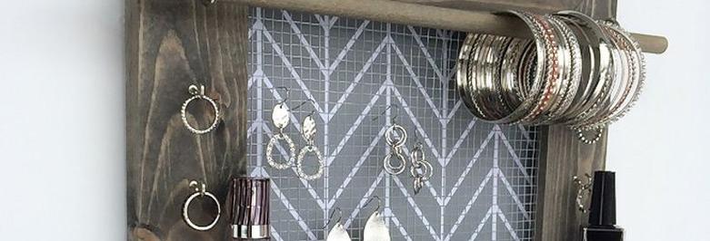 25 Beautiful Picture Frame Jewelry Holders Zen Merchandiser