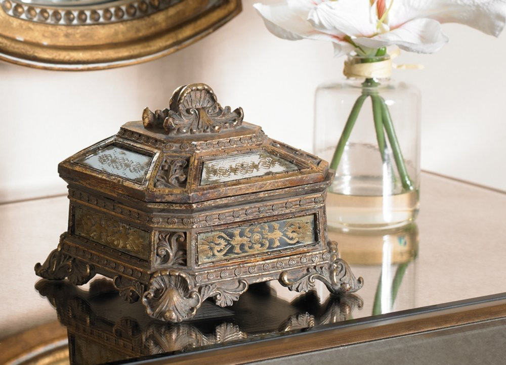 Elegant Antique Distressed Design Jewelry Box