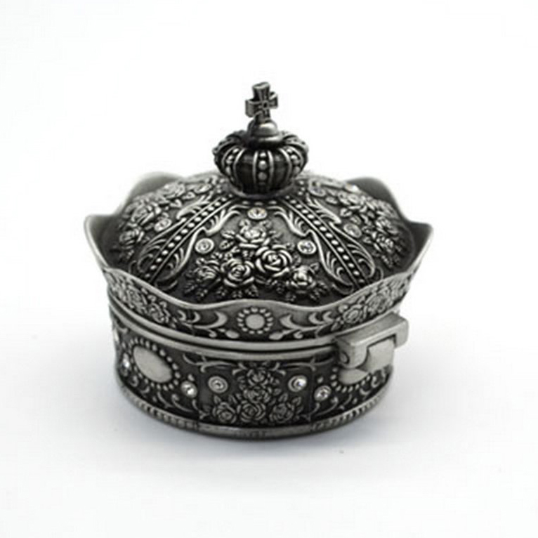 Beautiful Antique Silver Decorative Crown Shaped Jewelry Box