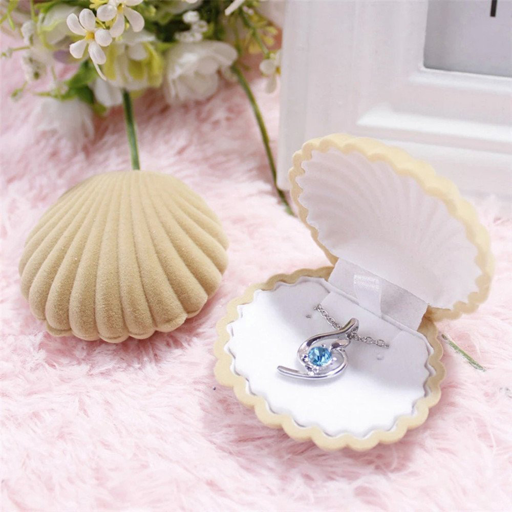 Cute Clam Shell Shaped Earring Box