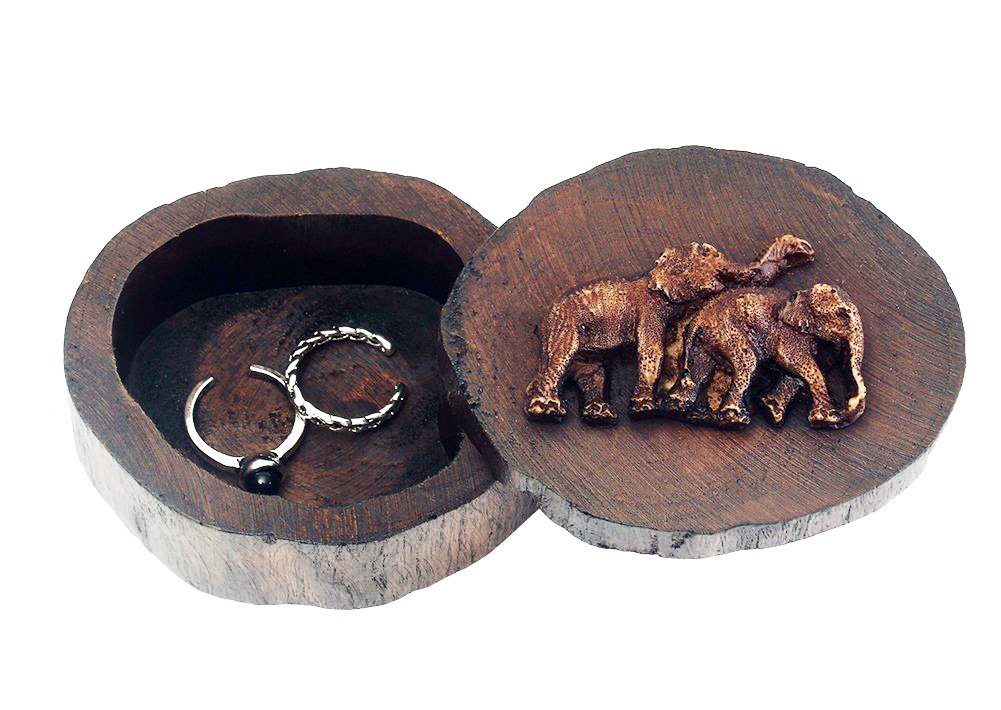 Creative Wooden Cutout Trunk Engraved Elephants Wedding Ring Box