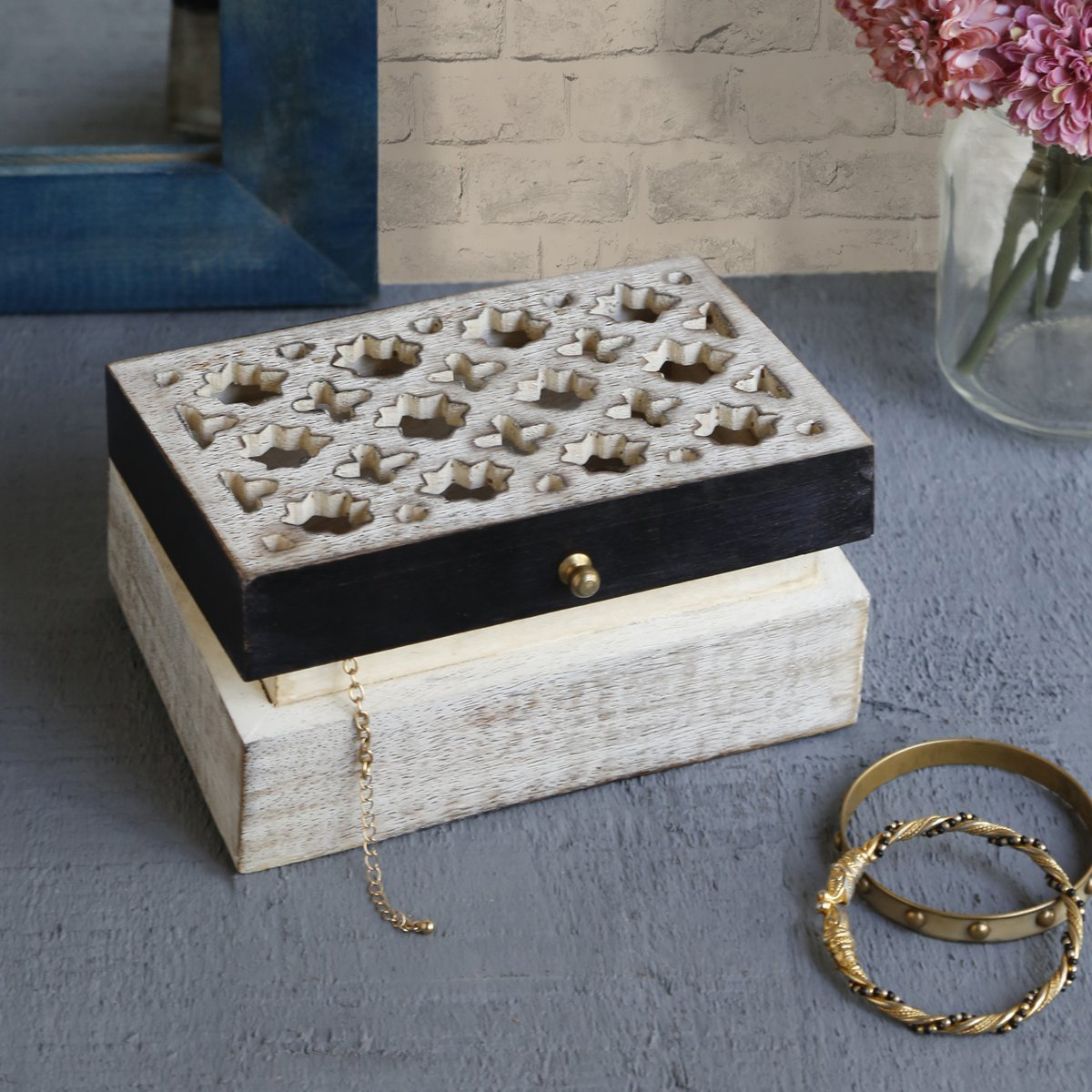 Cute Creative Wooden Black Band Jewelry Chest