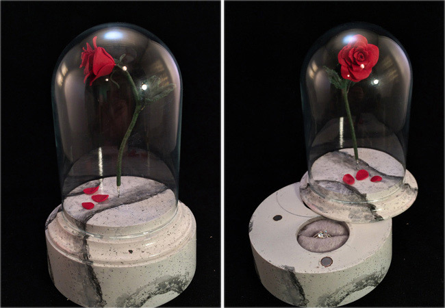 Cute Creative Rose in a Glass Dome Engagement Ring Box